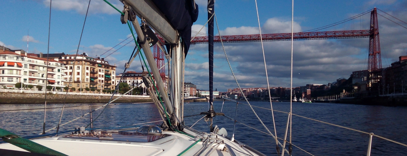 paseos en barco por la ría de bilbao